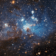 Large and small stars in harmonious coexistence