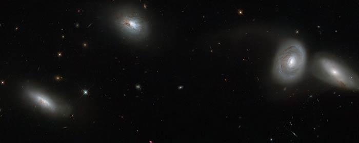 Galakserne NGC 839, NGC 838, NGC 835 og NGC 833