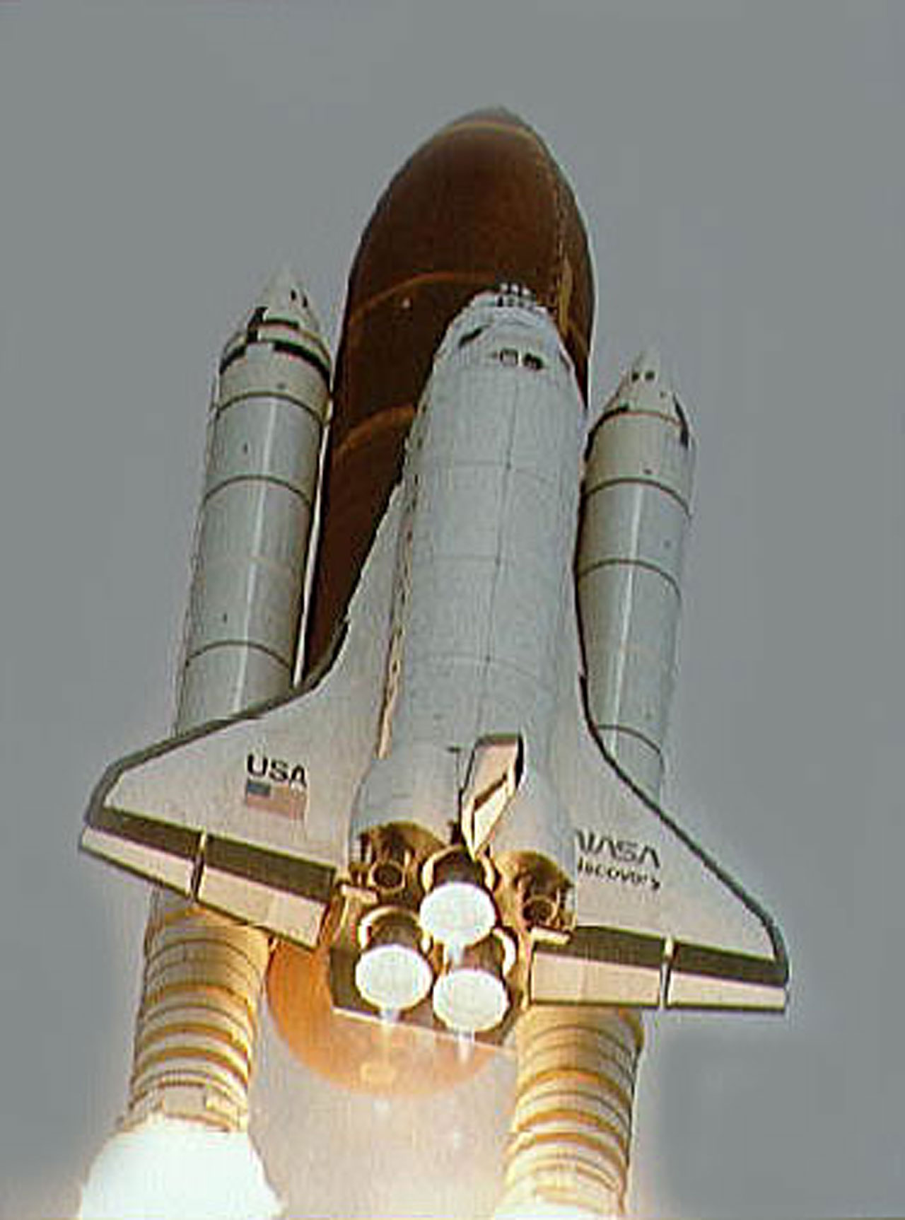 Launch of Space Shuttle for the deployment of the NASA/ESA Hubble Space Telescope