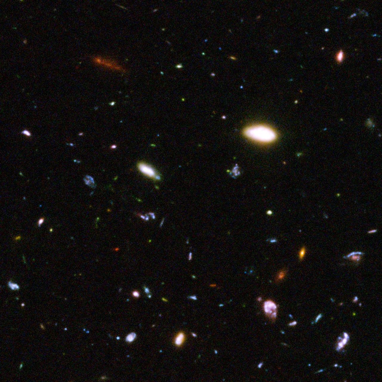 Hubble reveals galactic drama [image 4]