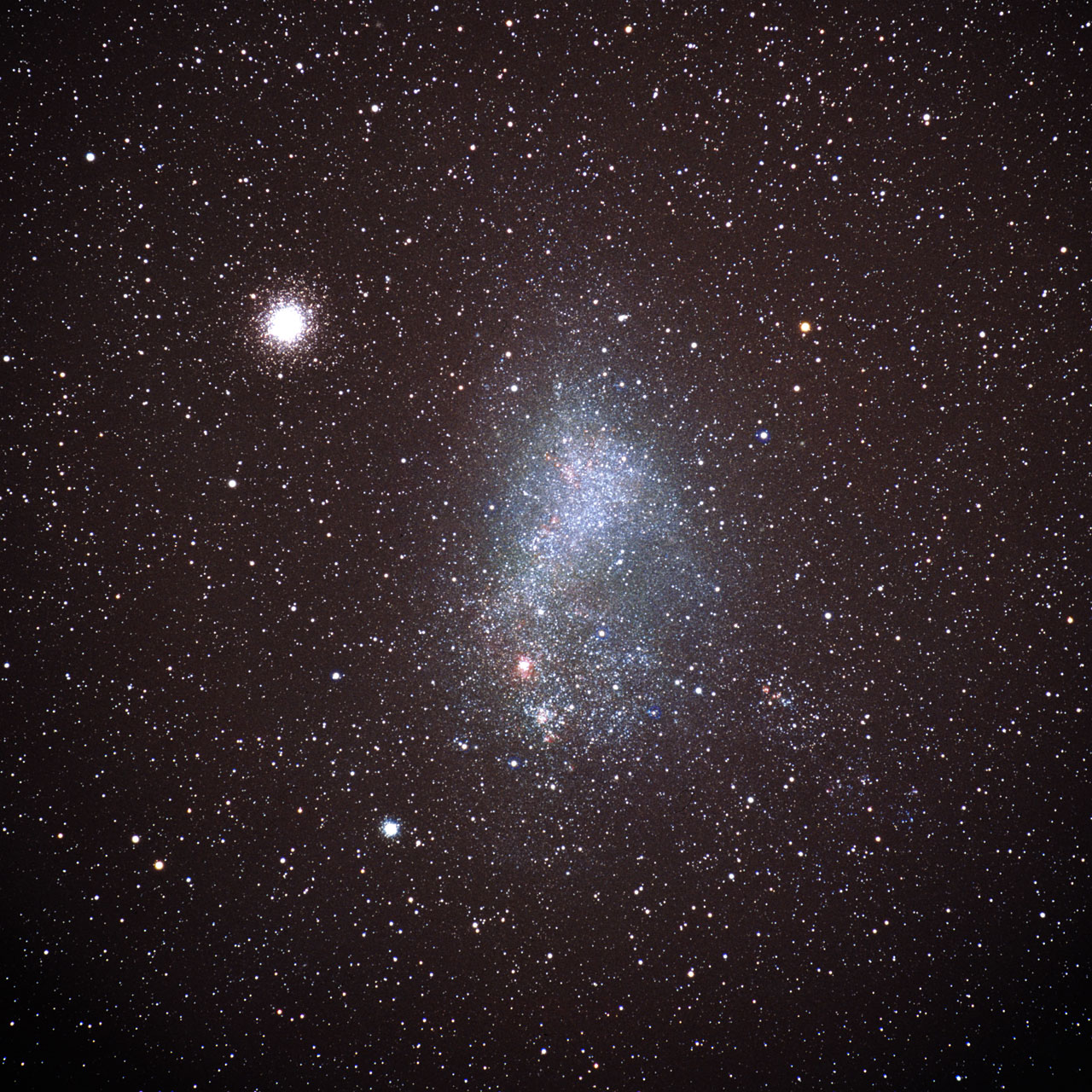 Globular cluster 47 Tucanae and the Small Magellanic Cloud (ground-based image)