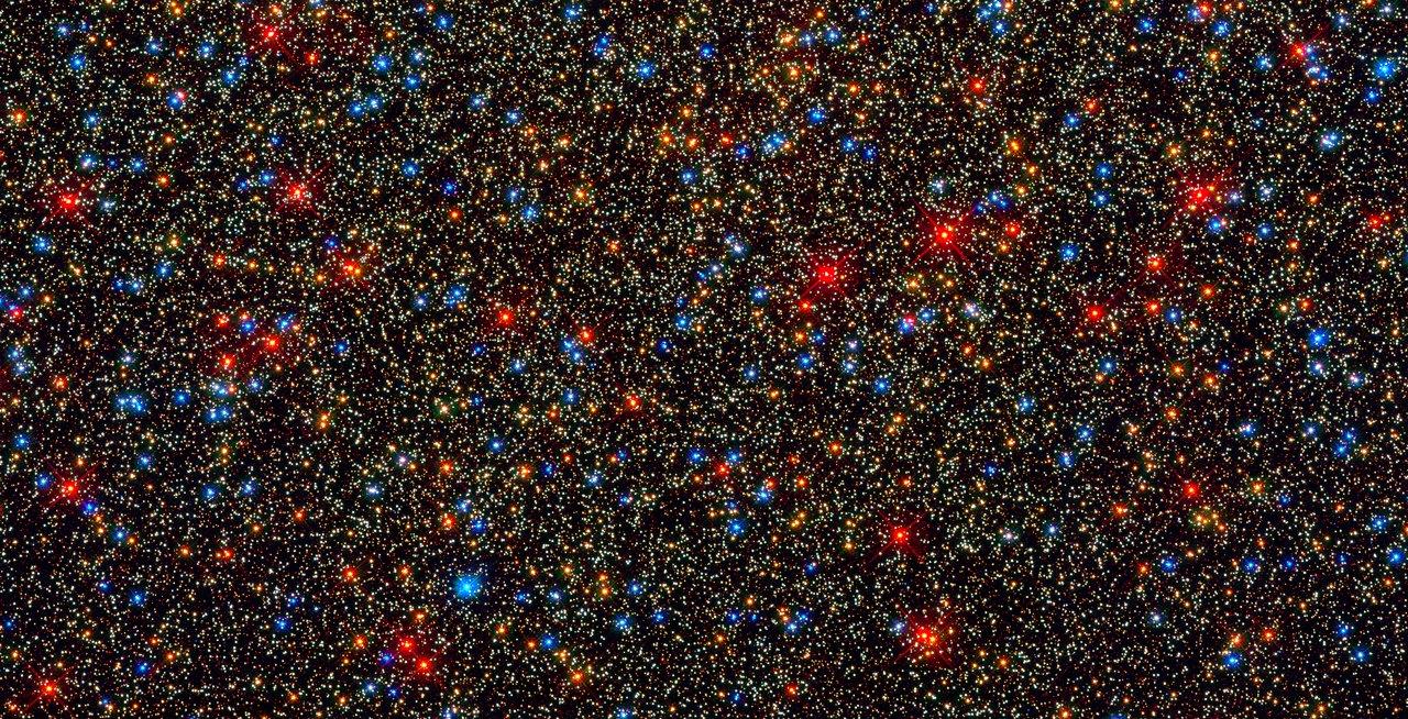 Colourful stars galore inside the globular star cluster Omega Centauri