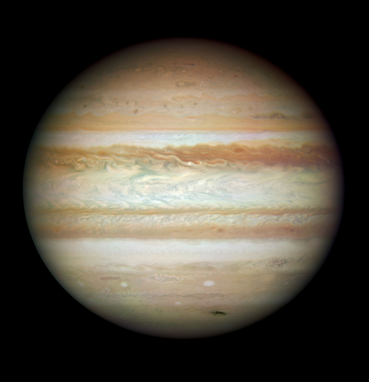 Collision Leaves Giant Jupiter Bruised Esa Hubble