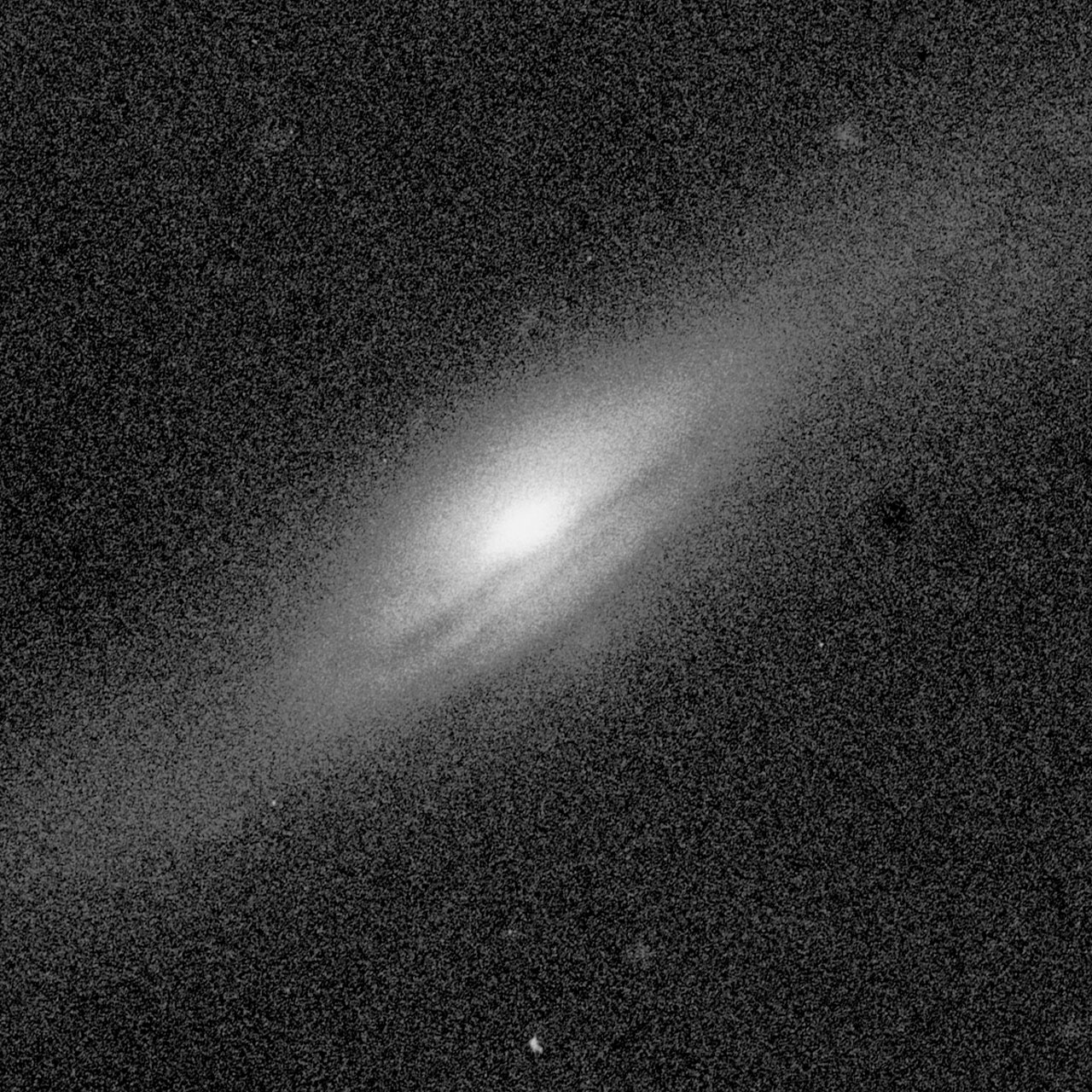 Central Bulges of Spiral Galaxies - NGC 5689 (Ground-Based View)