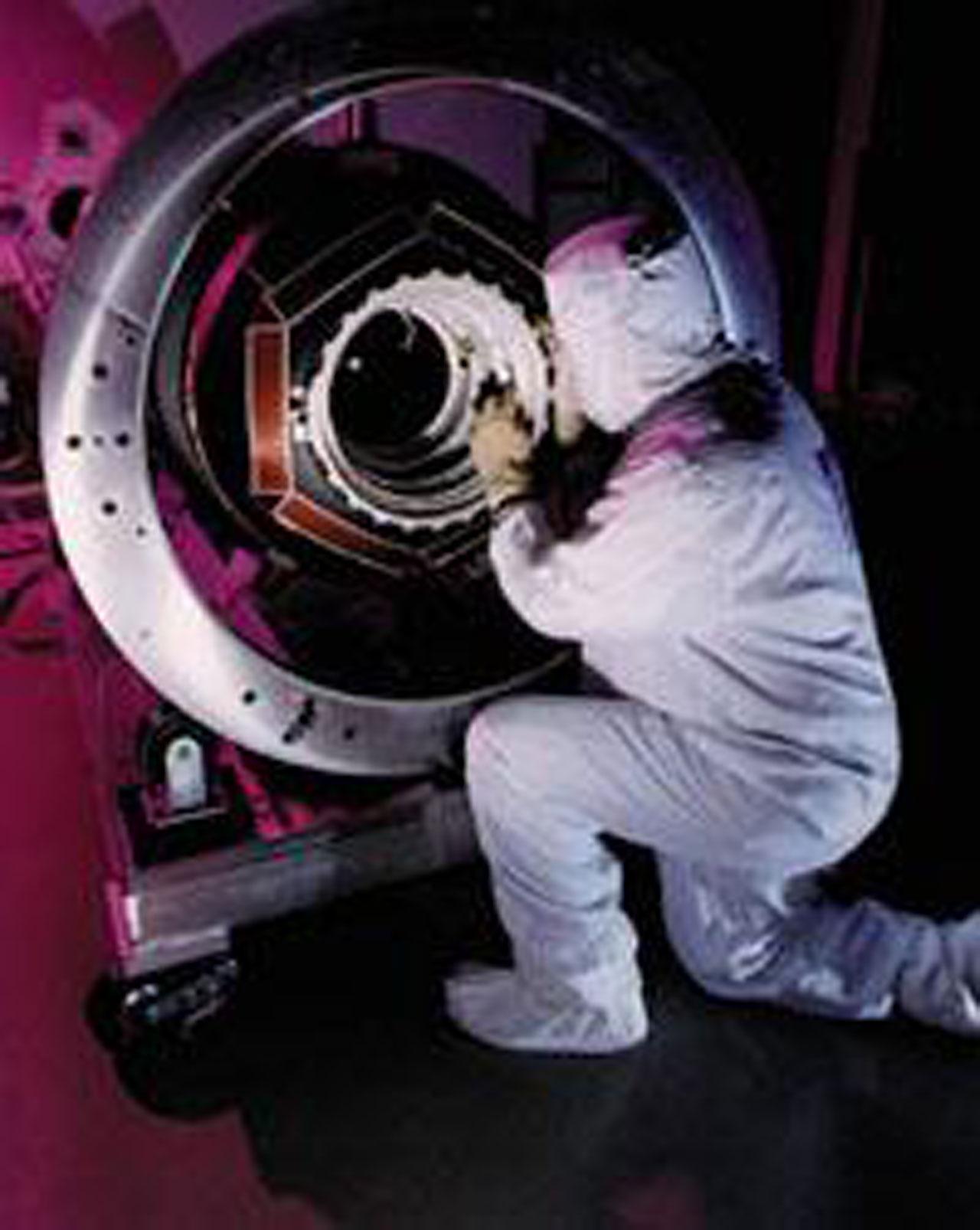 building hubble telescope - photo #21