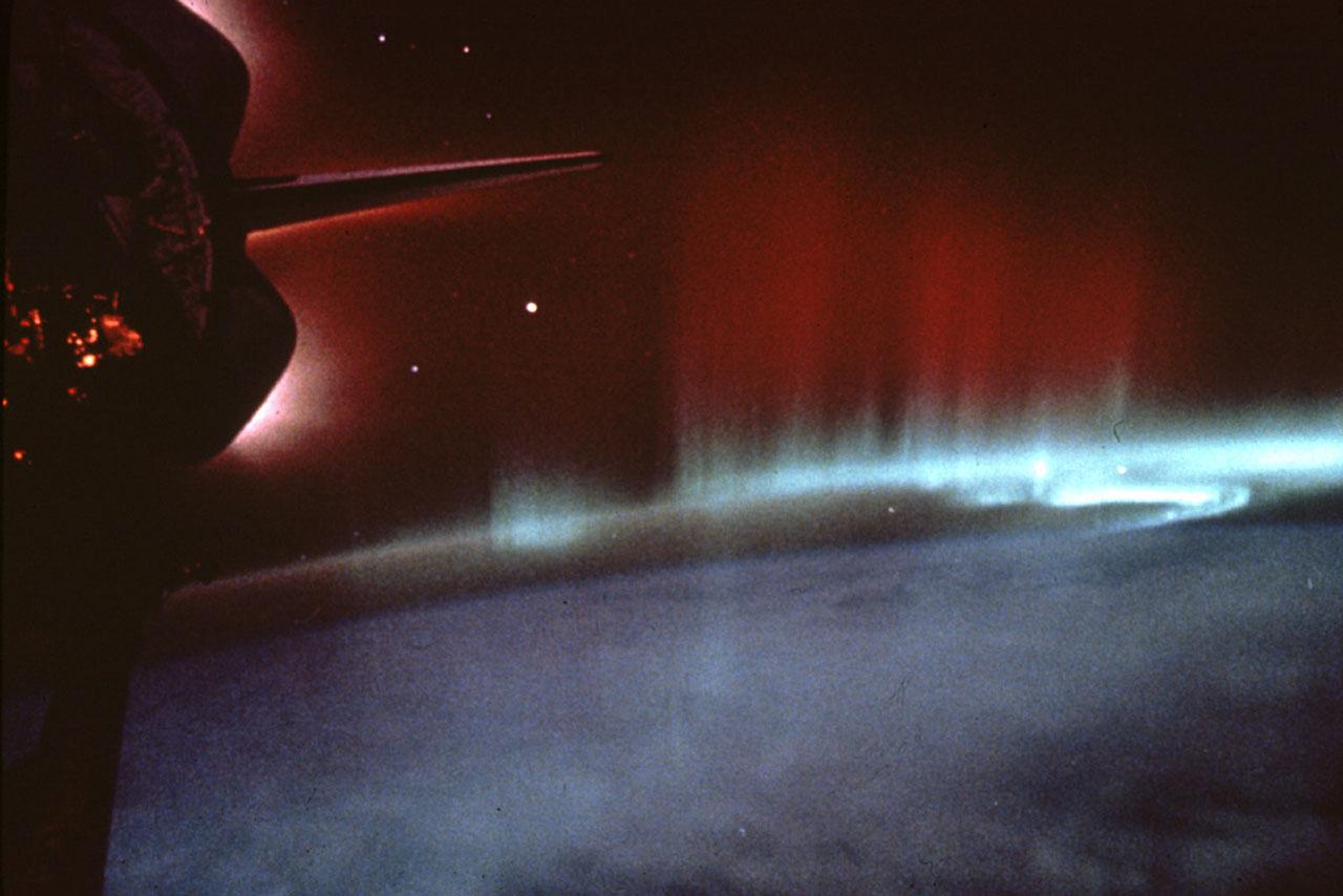 Shuttle Photos Of Earth's Auroras