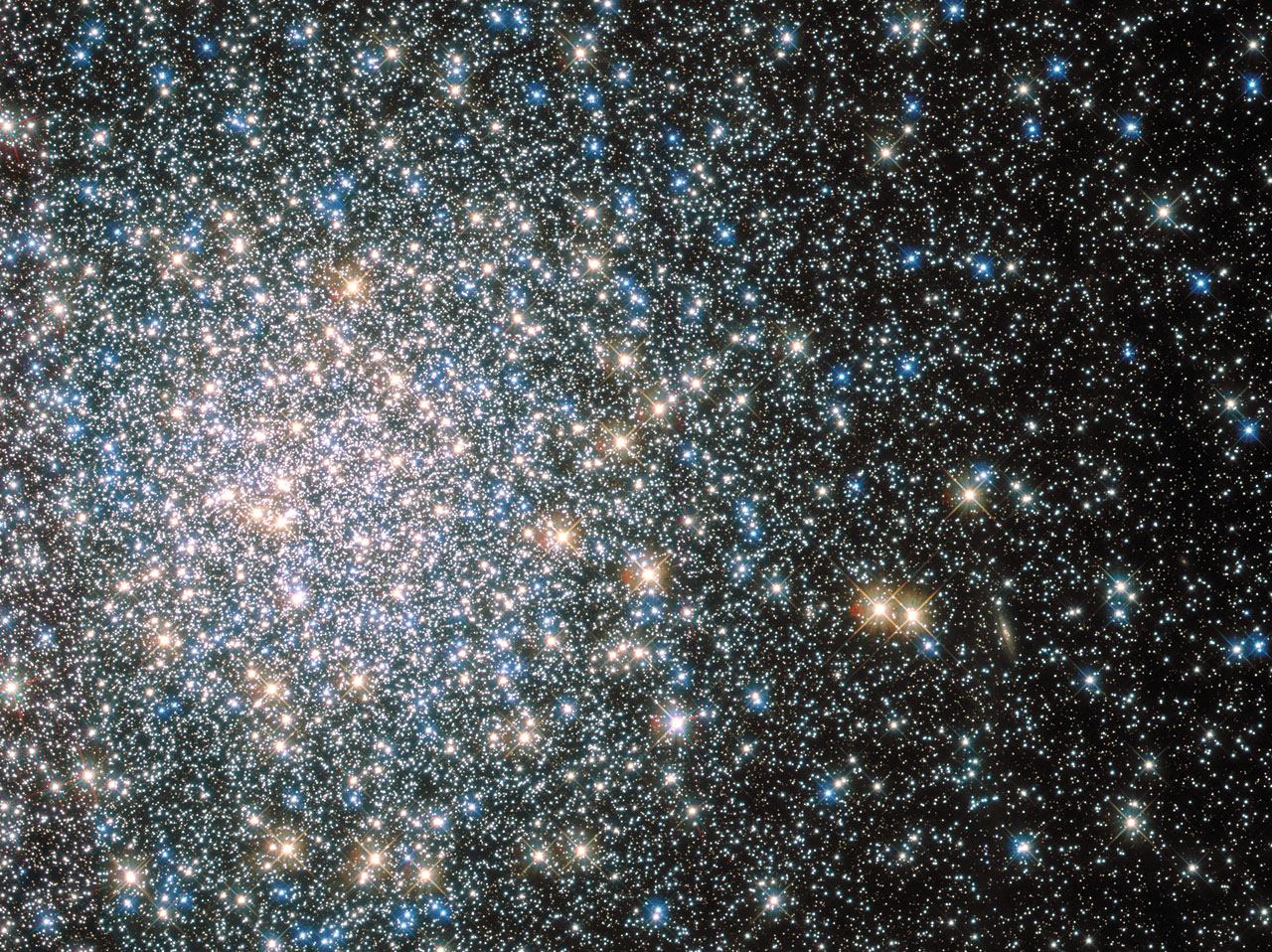 The globular cluster M5 as seen by Hubble Space Telescope - credit: ESA/Hubble & NASA
