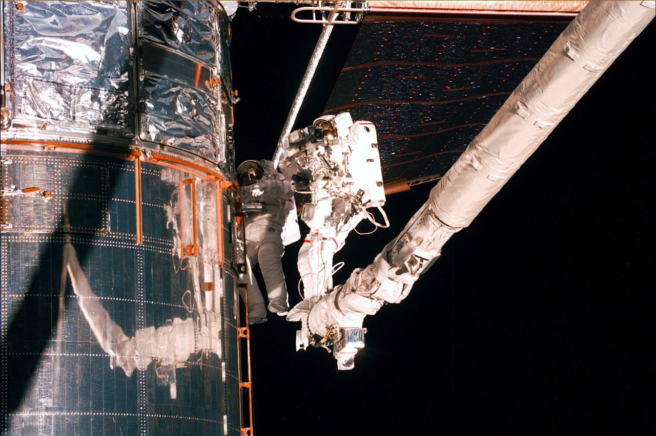 SM2: Spacewalk Duties carried out with help from the RMS