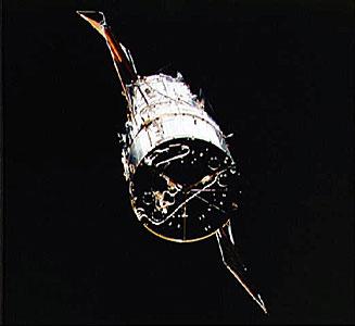 Hubble Space Telescope nears Shuttle Endeavour