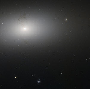 Dusty detail in elliptical galaxy NGC 2768