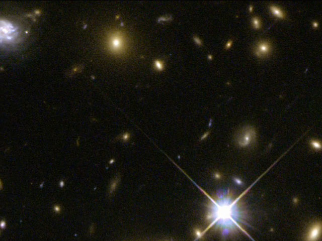 Panning on galaxy cluster Abell 2667.