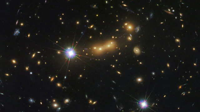 Zoom on galaxy cluster MACS J0647.7+7015