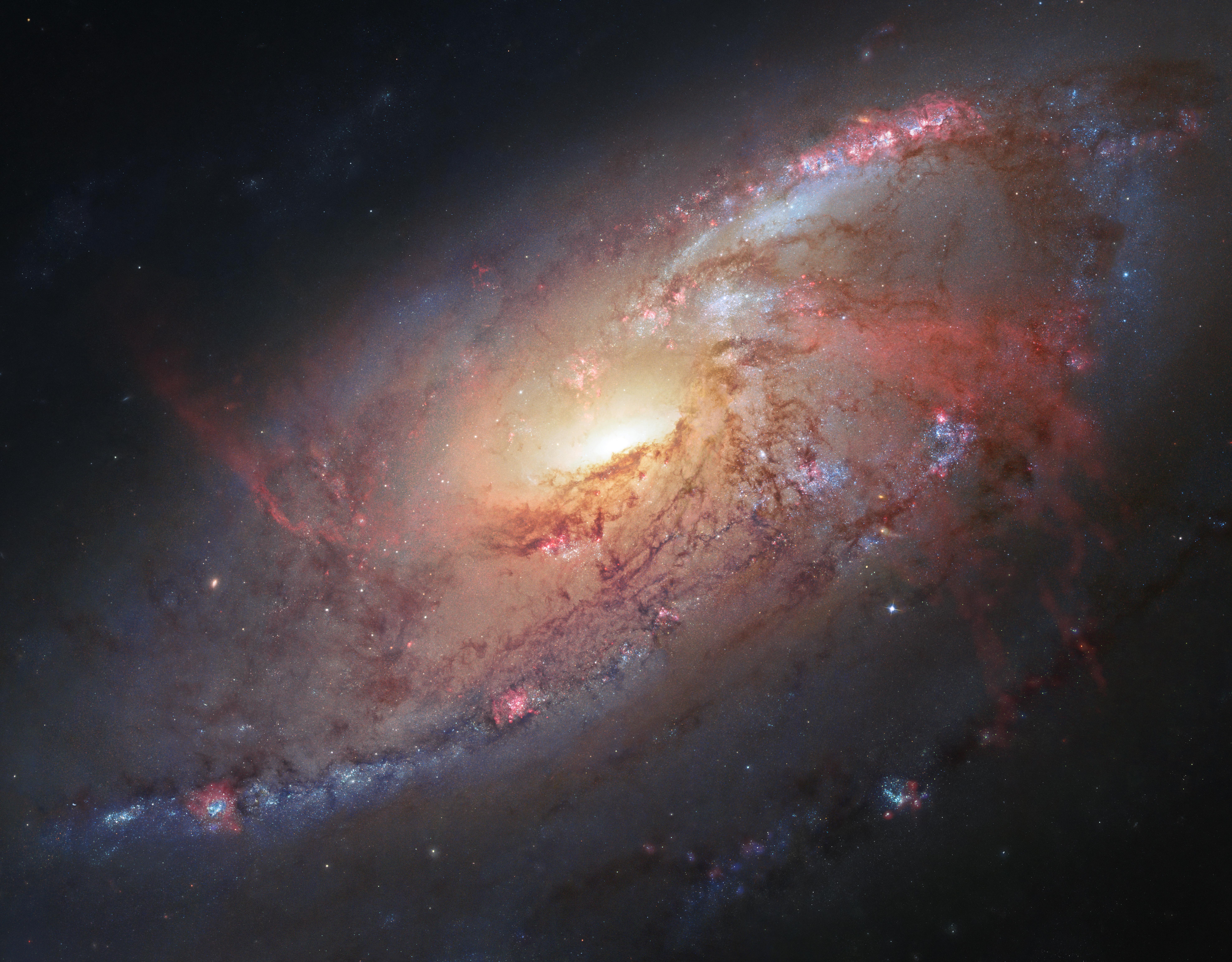 81f4cf2b576 Hubble view of M 106 | ESA/Hubble