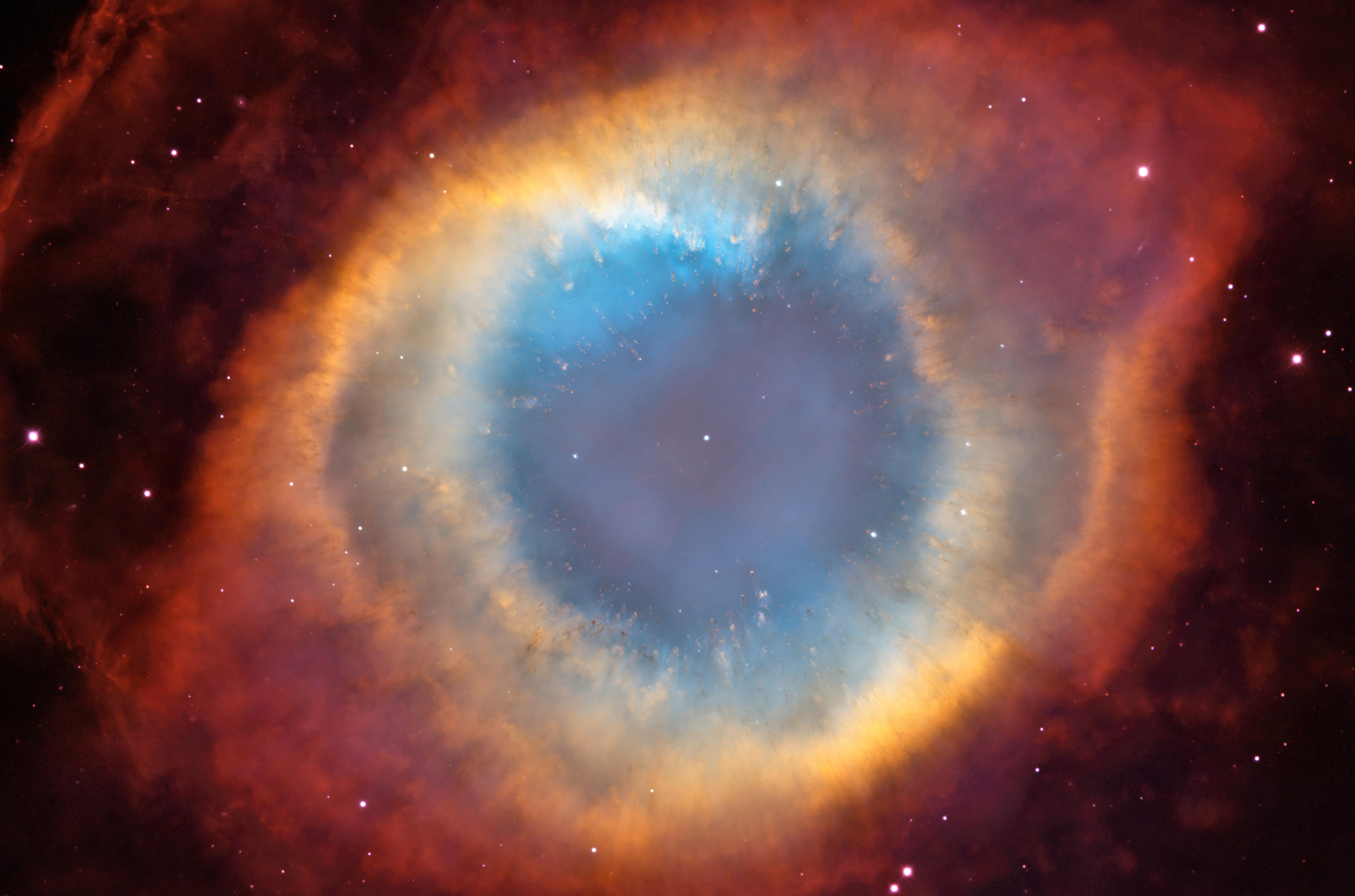 Helix Nebula: HST/CTIO Image   ESA/Hubble