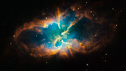 Hubble snaps images of a nebula within a cluster