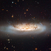 Hubble views NGC 4522