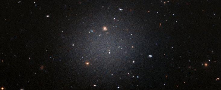 Fund af lokal galakse uden mørkt stof