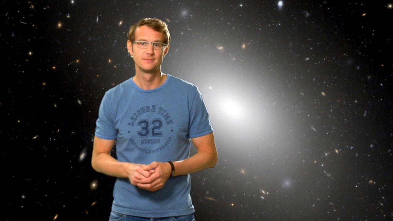 "Hubblecast 13: Gargantuan galaxy NGC 1132 - a ""cosmic fossil"""
