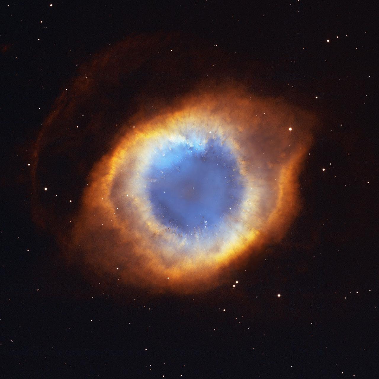 Iridescent Glory of Nearby Planetary Nebula Showcased on ...