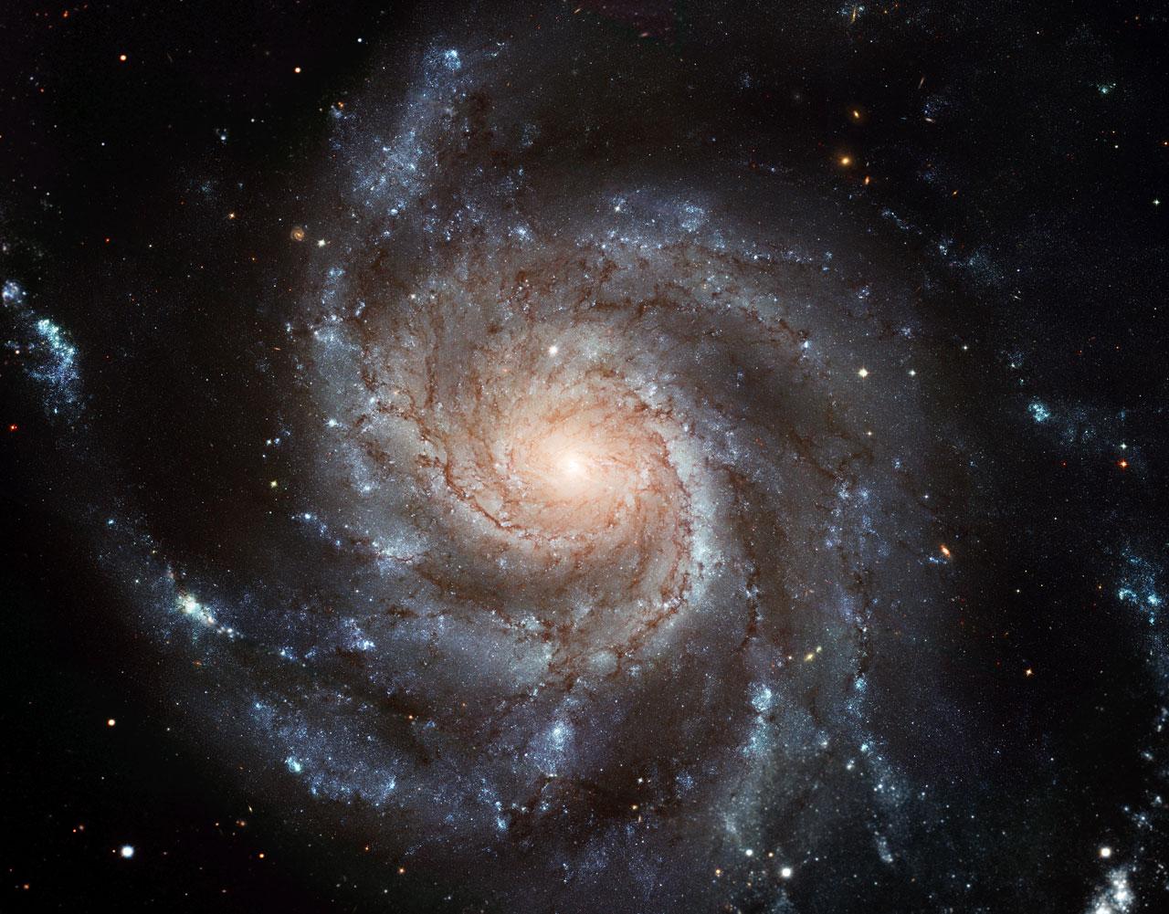 Largest Ever Galaxy Portrait Stunning Hd Image Of Pinwheel