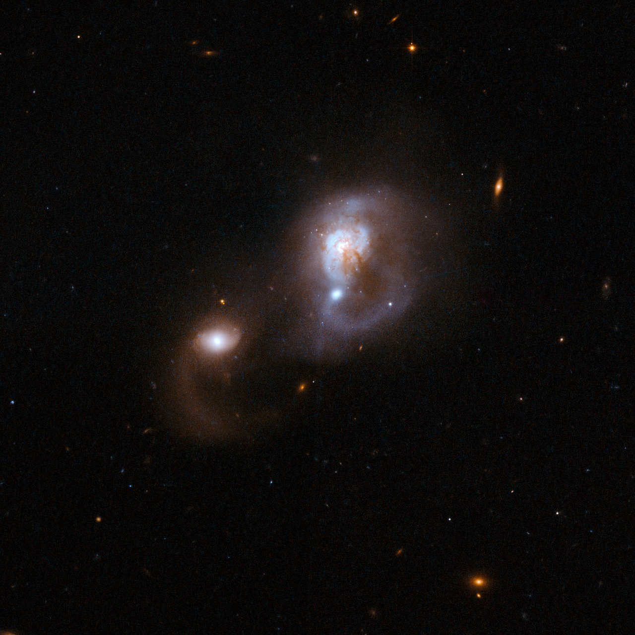 IRAS F10565+2448 | ESA/Hubble