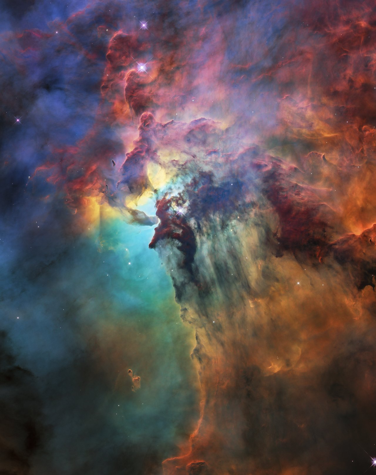 Photo Release: Hubble celebrates 28th anniversary with a trip through the Lagoon Nebula
