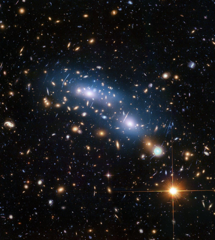 https://cdn.spacetelescope.org/archives/images/screen/heic1820b.jpg