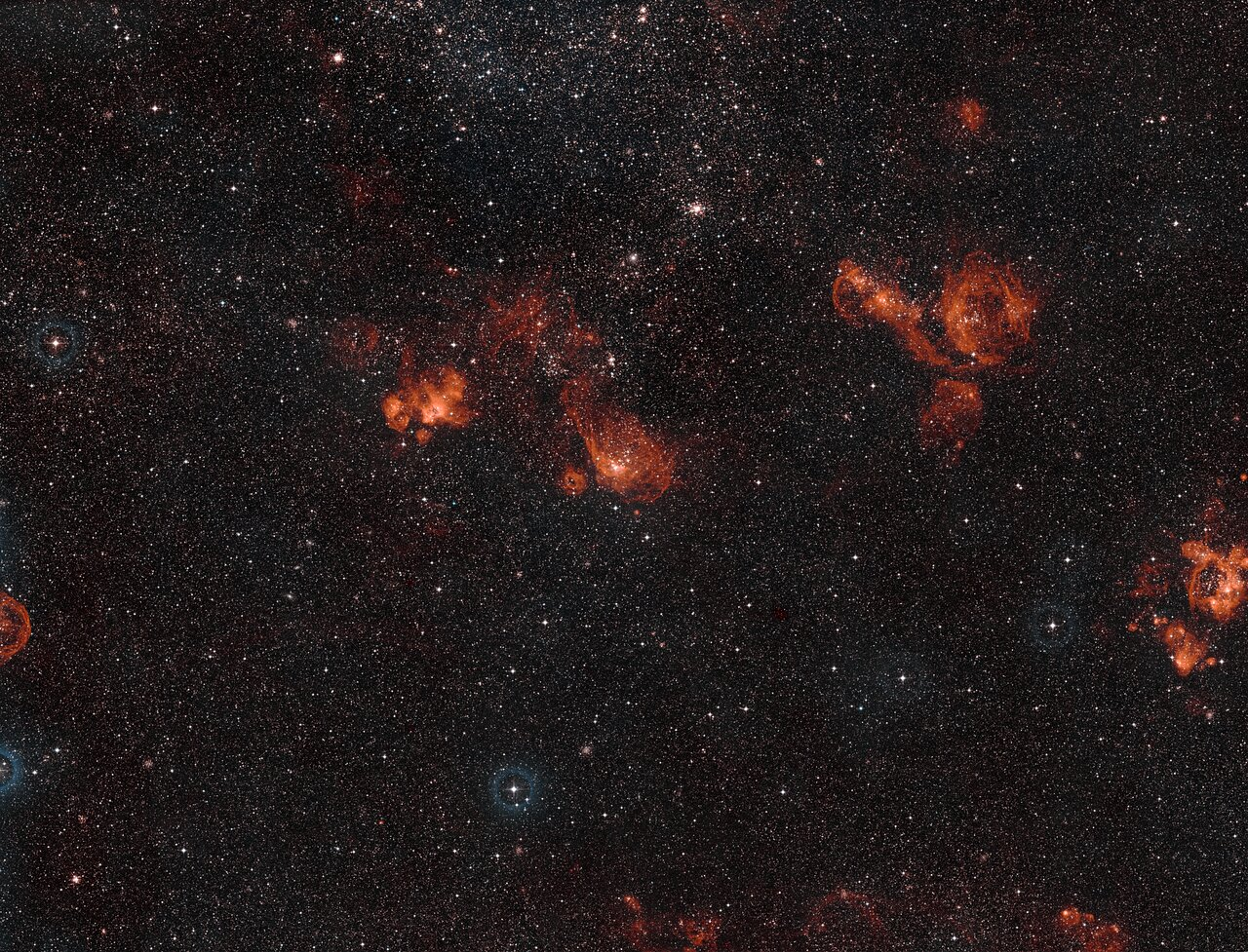 Wide-field view of NGC 2014 and NGC 2020 in the Large Magellanic Cloud (Ground-based Image)