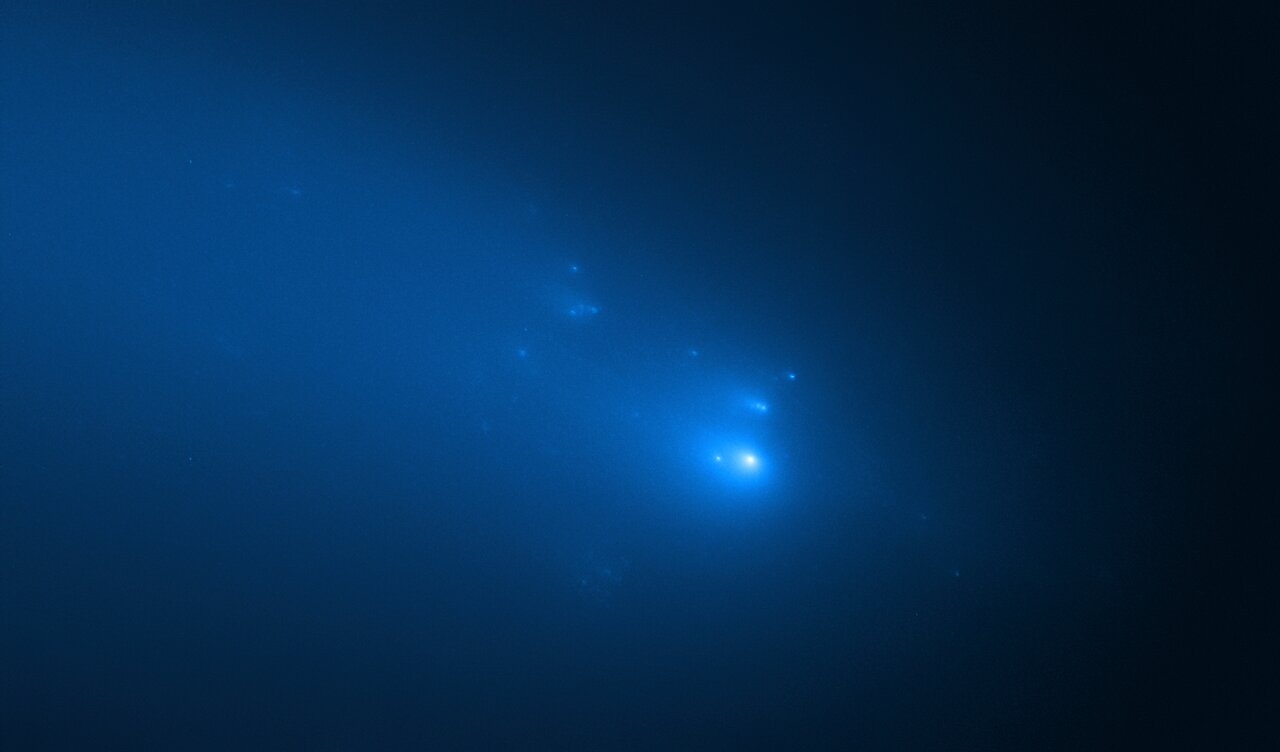 Hubble's Observation of Comet C/2019 Y4 (ATLAS) on 23 April