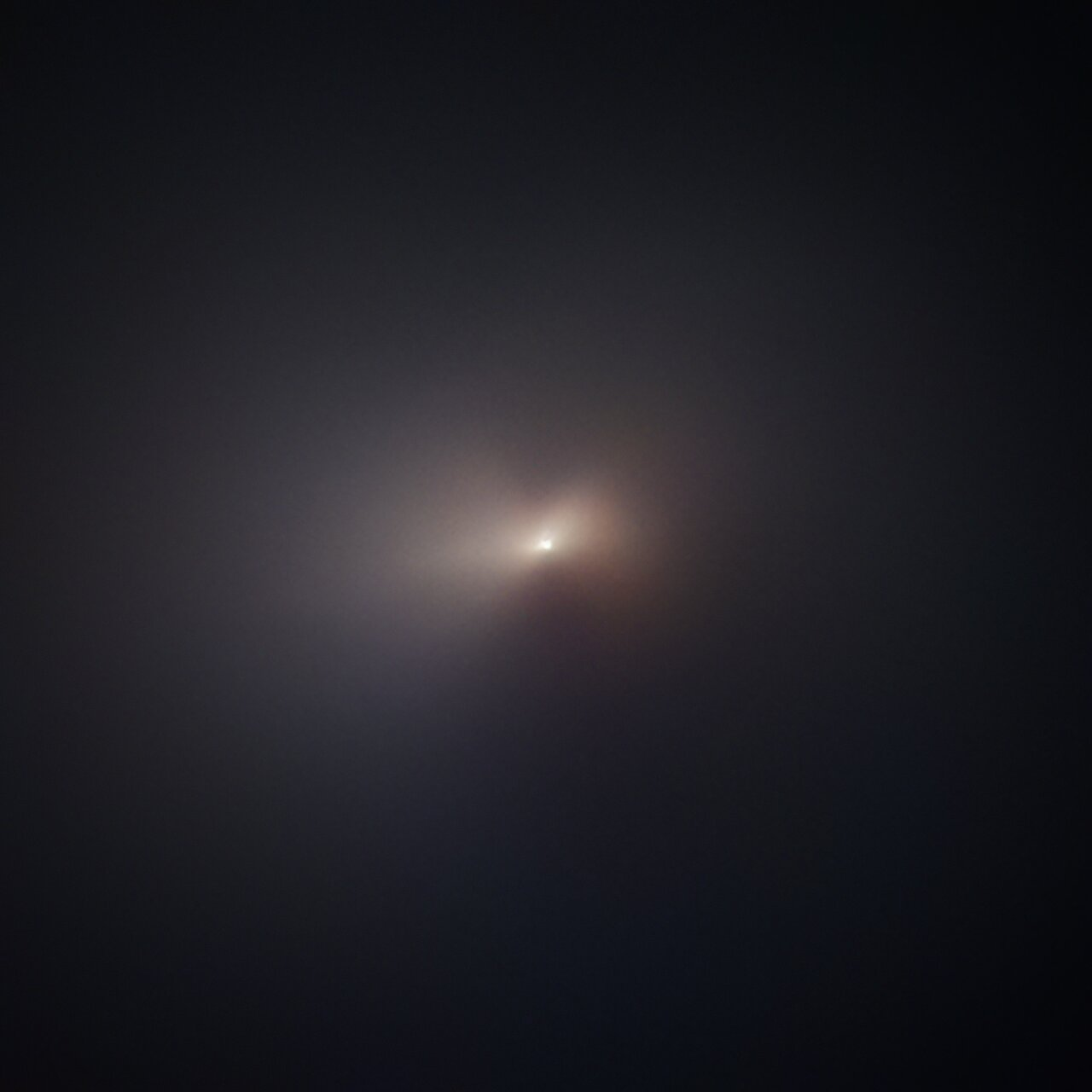 Hubble Captures Comet NEOWISE