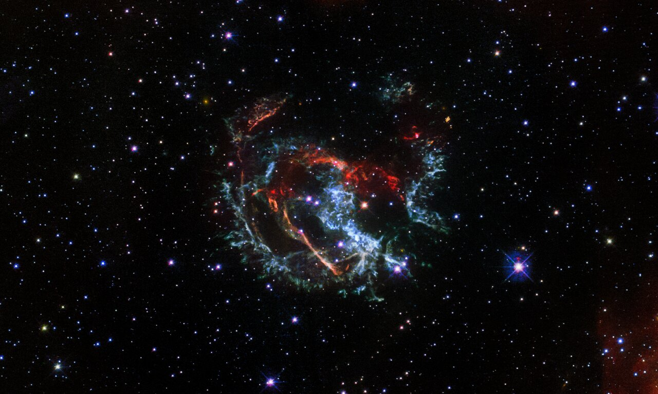 Hubble Captures the Supernova Remnant 1E 0102.2-7219