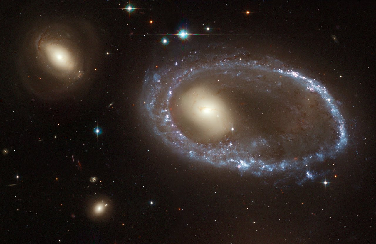 The lure of the rings | ESA/Hubble