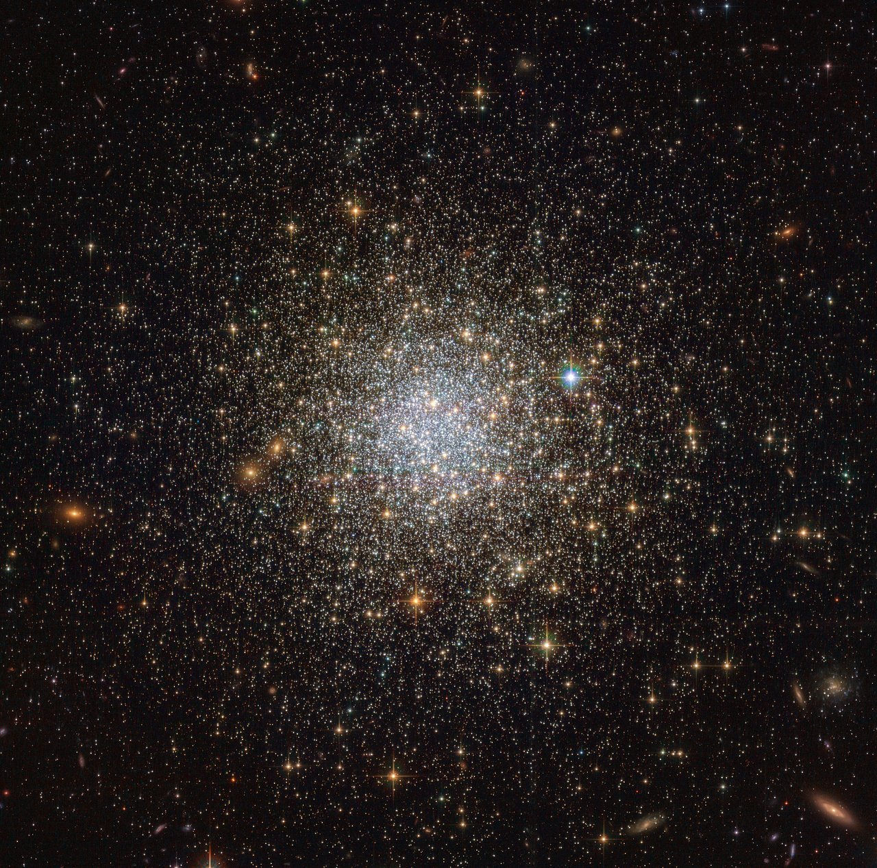 Science Release: Hubble Explores the Formation and Evolution of Star Clusters in the Large Magellanic Cloud