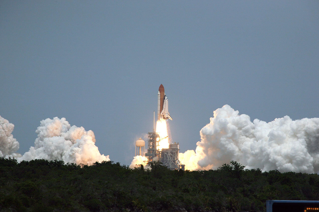 SM4: Atlantis Liftoff