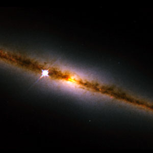 NICMOS finds a golden ring at the heart of a galaxy (NICMOS image)