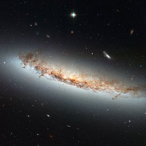 Hubble views NGC 4402