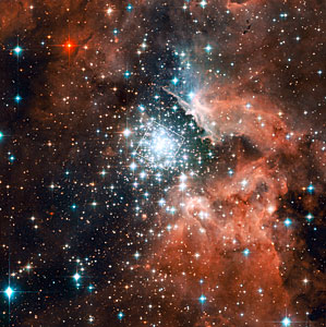 The massive compact star cluster in NGC 3603 and its surroundings