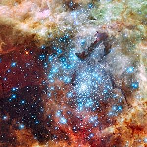Merging clusters in 30 Doradus