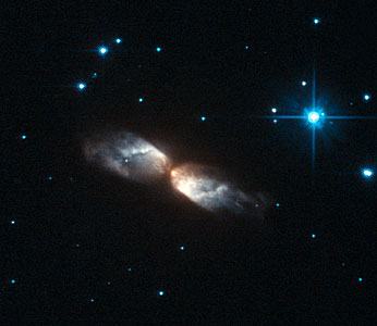 Hubble witnesses the crafting of a celestial masterpiece