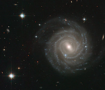 Barred spiral bares all