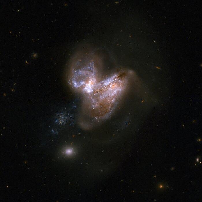 NGC 3690