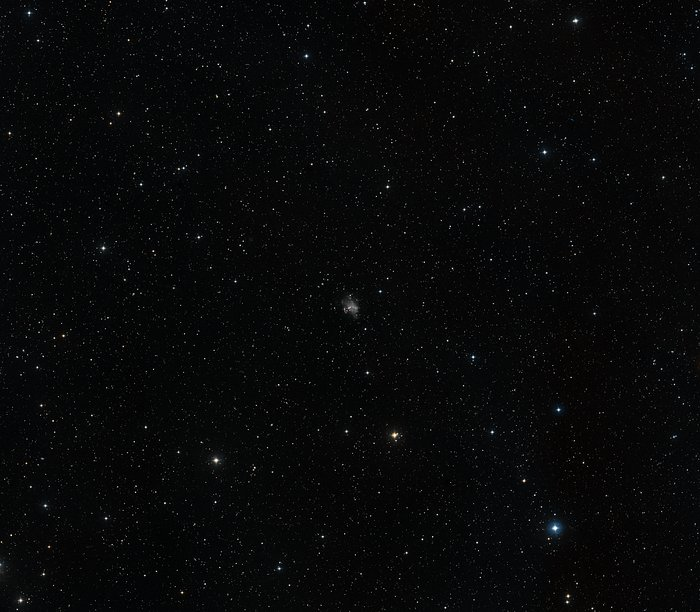 Wide-field image of irregular galaxy Holmberg II (ground-based image)