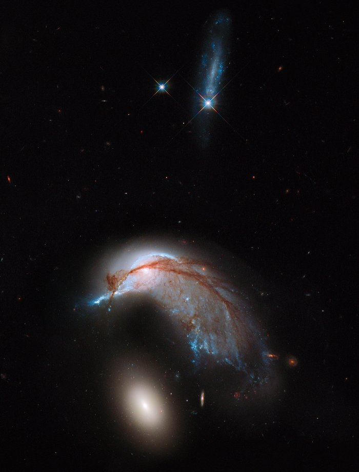 Hubble image of Arp 142