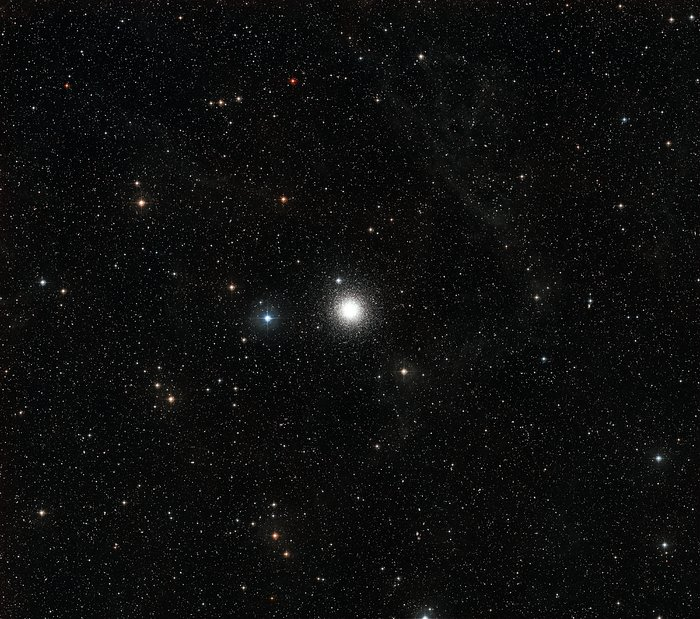 Wide field image of star cluster Messier 15 (ground-based view)