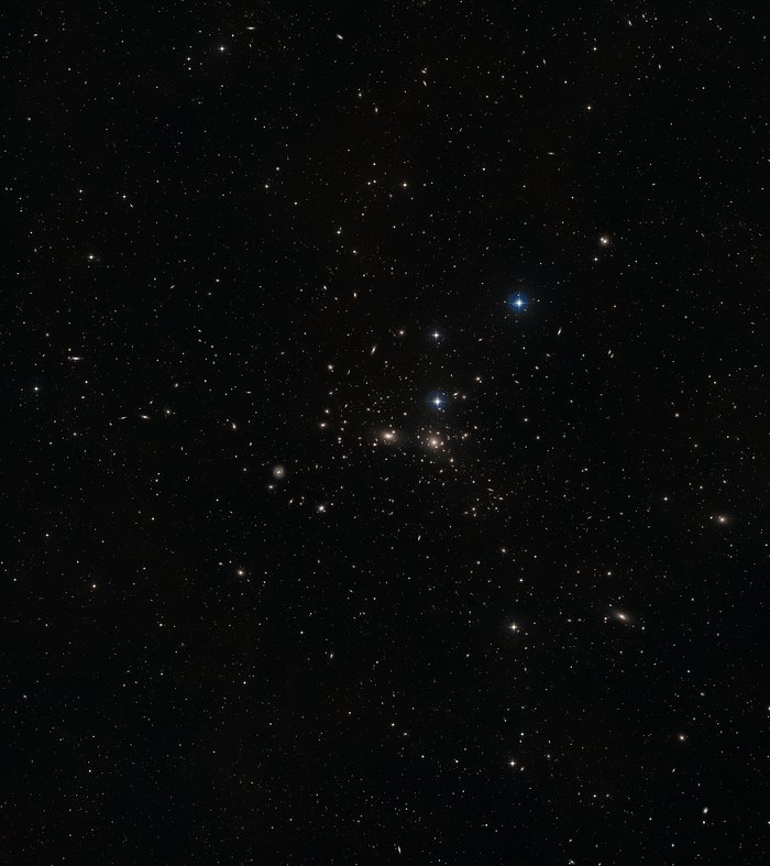 Wide-field view of NGC 4889 (ground-based view)