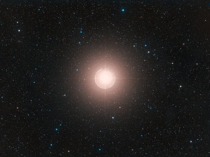 Wide-field view of Betelgeuse (ground-based image)