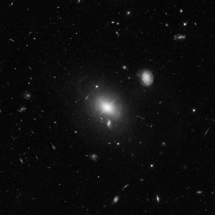 Quasar MC2 1635+119 and Host Galaxy