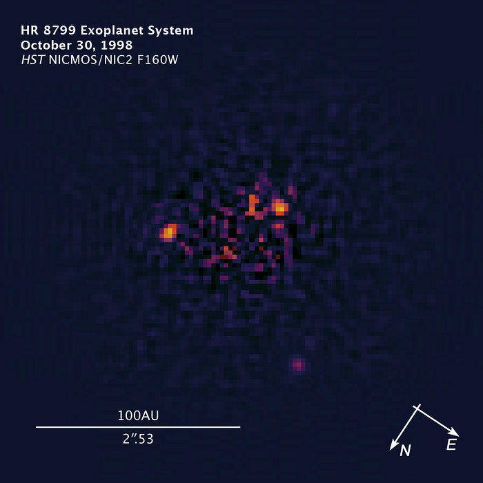 Compass and scale image of HR 8799
