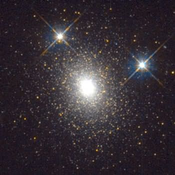 HST image of an old globular star cluster in galaxy M31