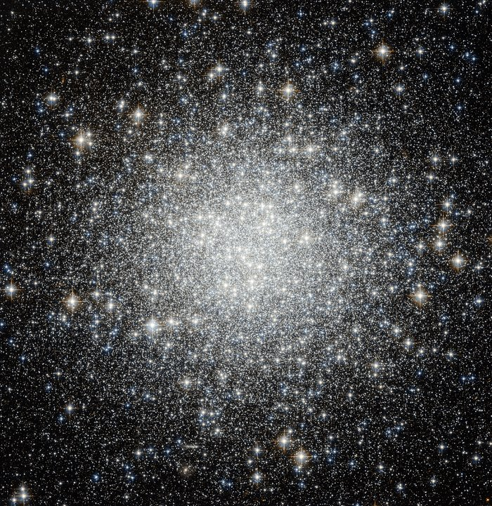 Spot the difference — Hubble spies another globular cluster, but with a secret